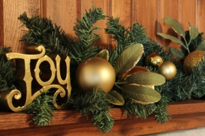 Holiday-Living-Christmas-Decorations-living-room-marvelous-fireplace-mantel-christmas-decor-mixed-with-greenery-and-golden-figurines-glowing-christmas-holiday-fireplace-mantel-decoration